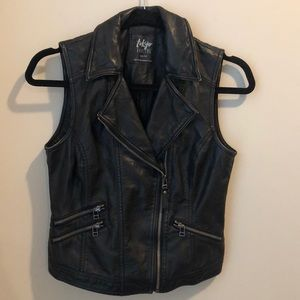 Leather/pleather zip up vest with pockets